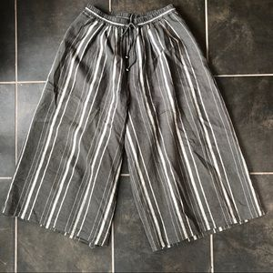 Striped wide legged cropped pants